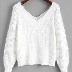 FUZZY CROPPED V NECK SWEATER